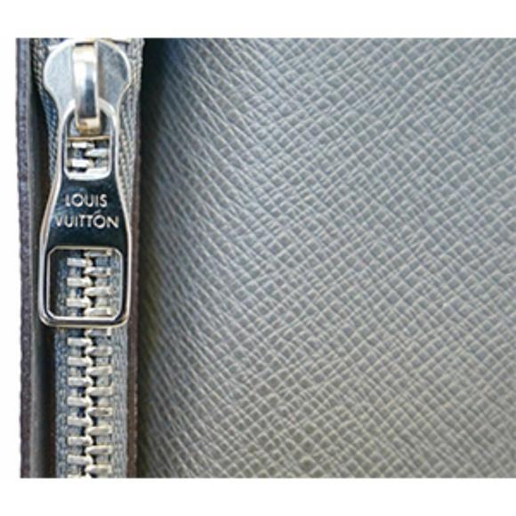 23231add642 LOUIS VUITTON Glacier Taiga Leather Brazza Wallet